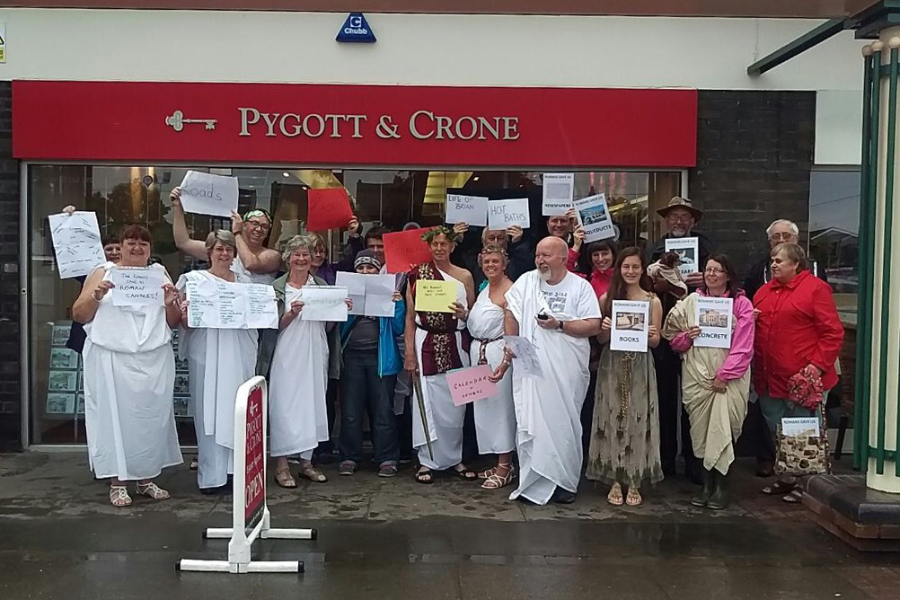 Roman togas wwfm geocaching flash mob
